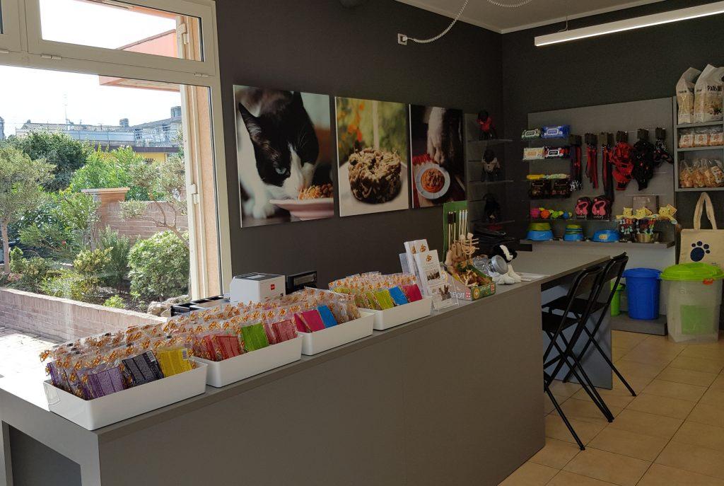 A Domagnano (RSM) il nuovo negozio di Pet's Planet con la consulenza nutrizionale per cani e gatti