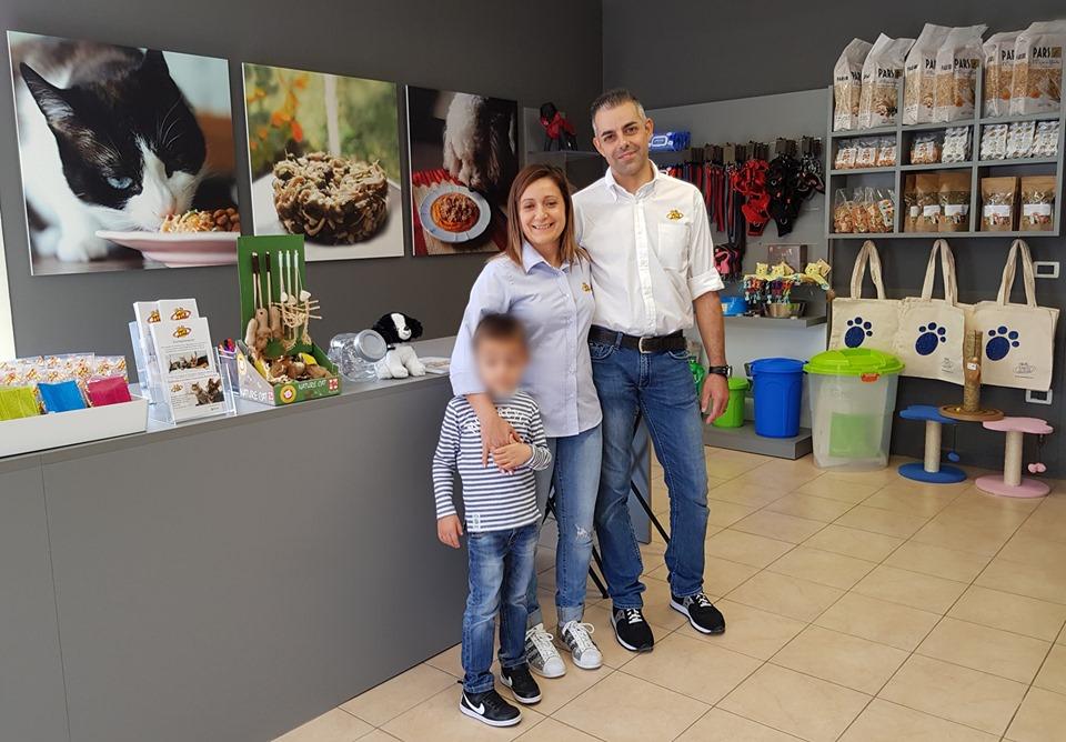 Inaugurato a Bertinoro il nuovo negozio di Pet's Planet per la Consulenza Nutrizionale a cani e gatti